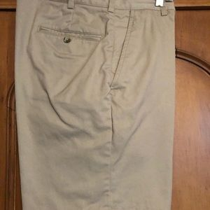 Jos.A.Bank SZ 35 shorts like new, flat front